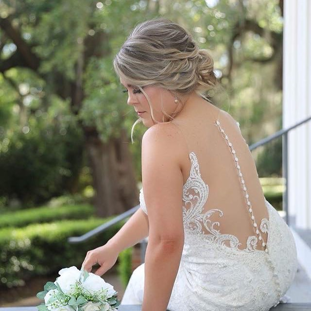 I'm so in love with this photo of my bride _courtneyspring !!! Love everything about it and the back