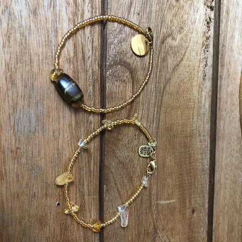 Set van twee armbanden met Tijgeroog