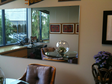 Use-a-Mirror-in-Your-Office-to-Maximize-