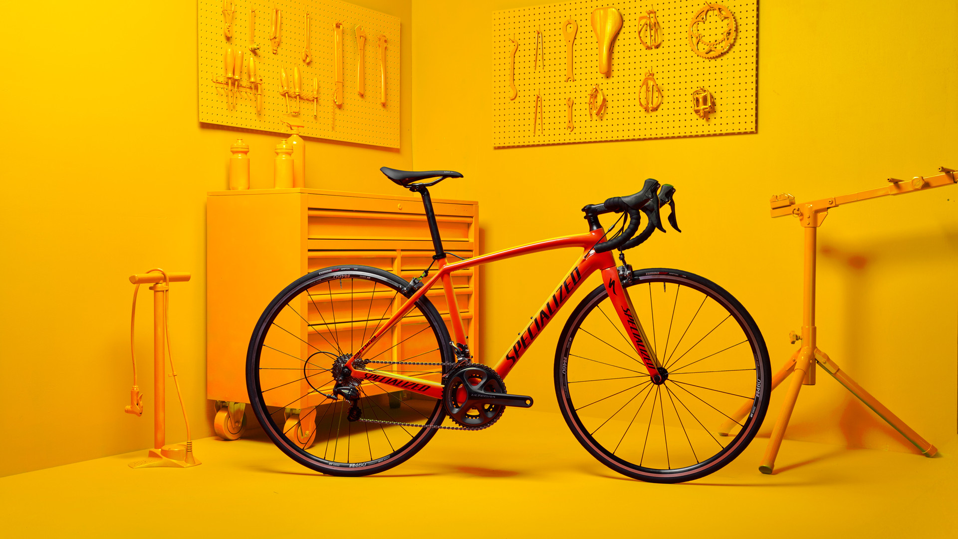 SPEC_OLYMPIC0232_BIKE1_YELLOW.jpg