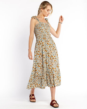 Self Contrast: Smocking Midi Dress