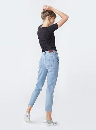 Unpublished: DEBBIE LIGHTHEART | High-Waisted, Distressed, Slim Mom Jeans