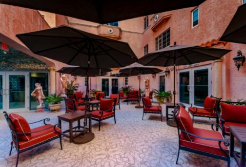 Secret Garden Hotel Patio