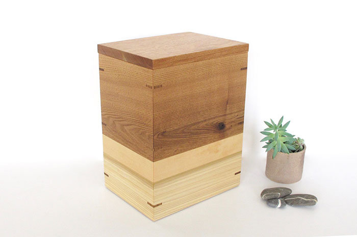 Butternut, Linden and Poplar Urn with Keepsake Tray