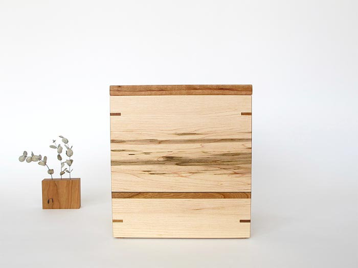 Maple and cherry urn