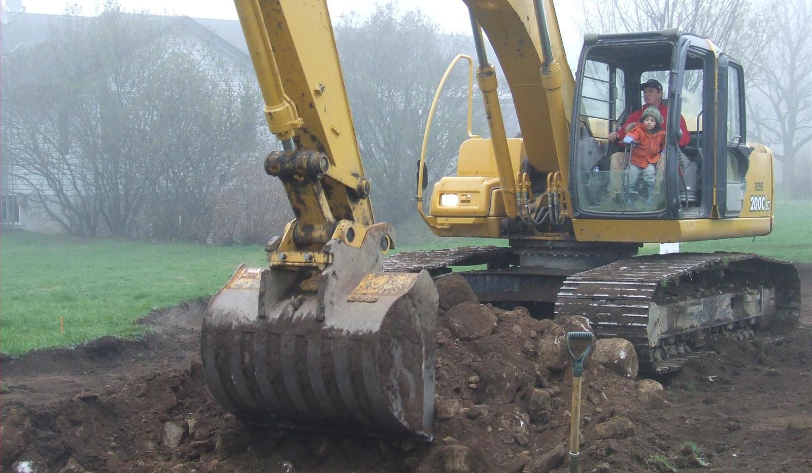 pool excavation.jpg
