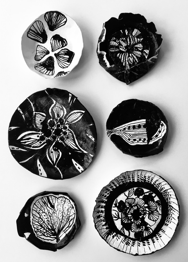 Paper plates small C
