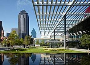 223px-Downtown_Dallas_Arts_District.jpg.