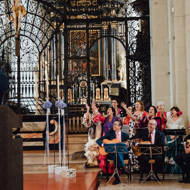 Coro Rociero amenizando una boda en la catedral de Lucerna