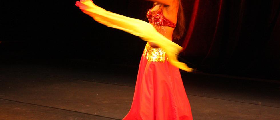 Dunya - Tanzshow Born to dance