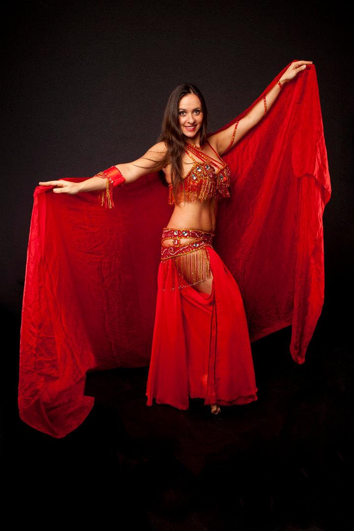Dunya - Orientalische Tänzerin buchen