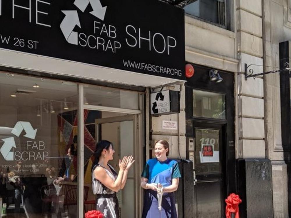 fabscrap shop, people outside fabscrap shop