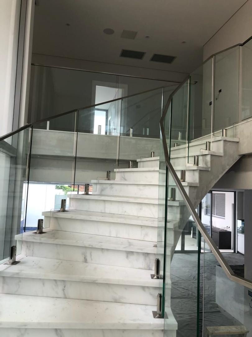 Stainless-steel-glass-balustrade-8.jpg
