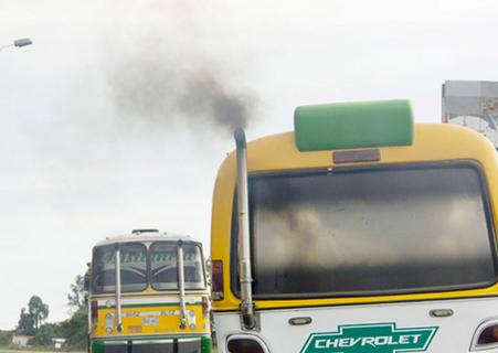 """Transporte sin humo: no más """"vehículos chimenea"""""""