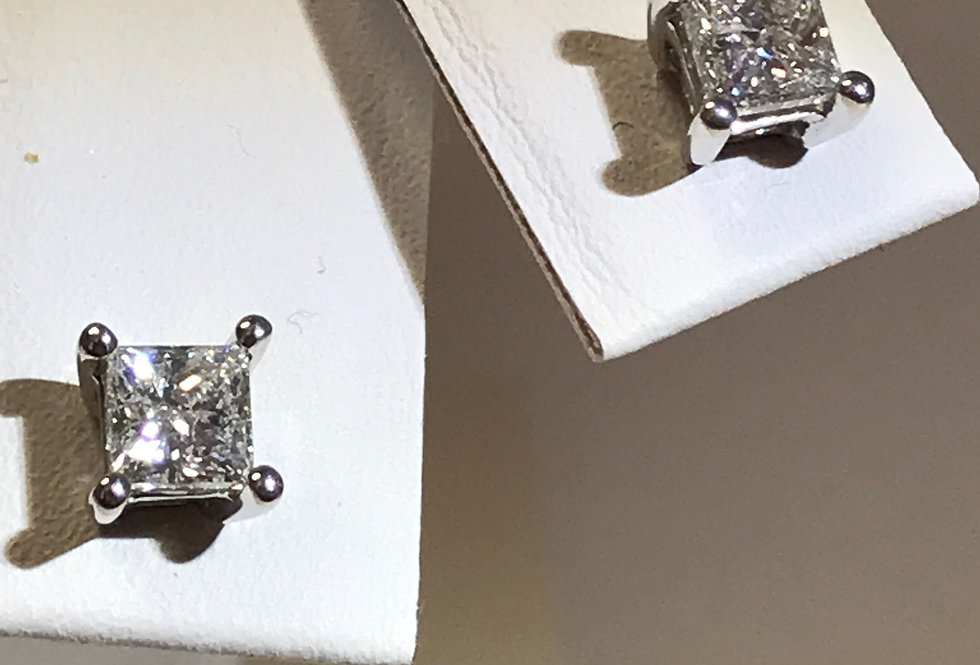 1.00TCW PRINCESS CUT DIAMOND EARRINGS