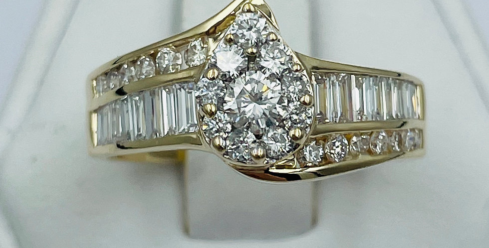 Pear Shape / 1.12tcw / 14k YG Engagement Ring