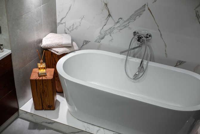 Декор-для-дома-из-дерева-в-ванную-cubito