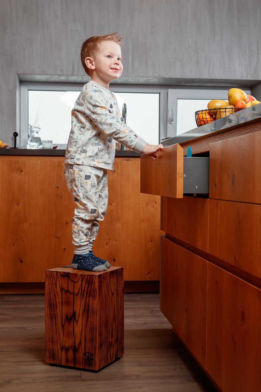 подставка из дерева для ребенка подарок