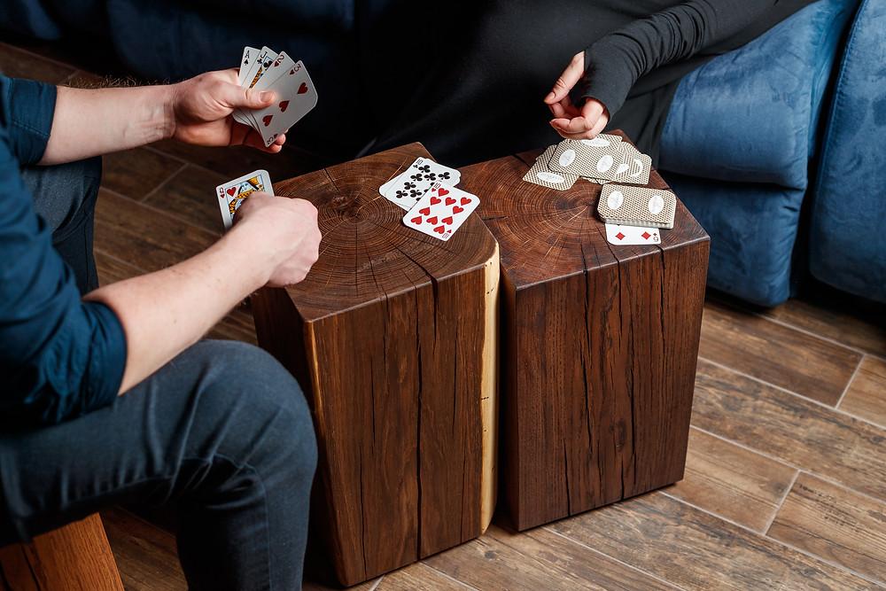 столик для игр настольных