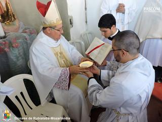 Ministério de Acólito e renovação das Irmãs Diocesanas marcam primeira celebração do ano.