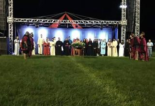 Encenação da Paixão de Cristo leva 5 mil pessoas a oração