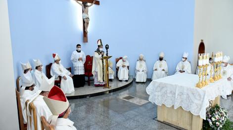 """""""Estou aqui movido pela fé"""" - Dom Agamenilton toma posse como 4º bispo diocesano"""
