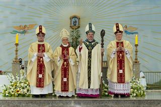 Mons. Agamenilton é ordenado