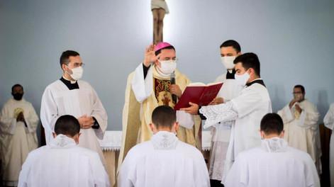 Seminaristas são instituídos no Ministério de Leitor