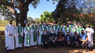 """""""Aqui estão os discípulos de Jesus"""" - Convivência reúne clero e seminaristas"""
