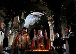 Iraque: Cristãos voltam a celebrar em Igreja que foi invadida