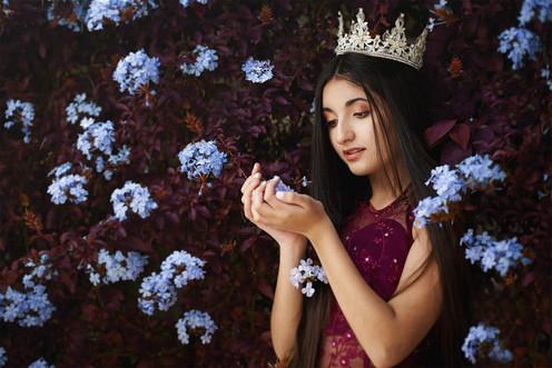 La reina de las flores web.jpg