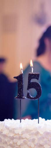 Torta_y_velas_quince_años.jpg