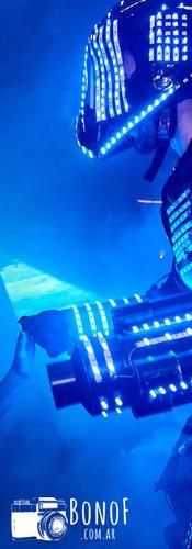 Robot_led_en_tanda_de_baile_quince_años.