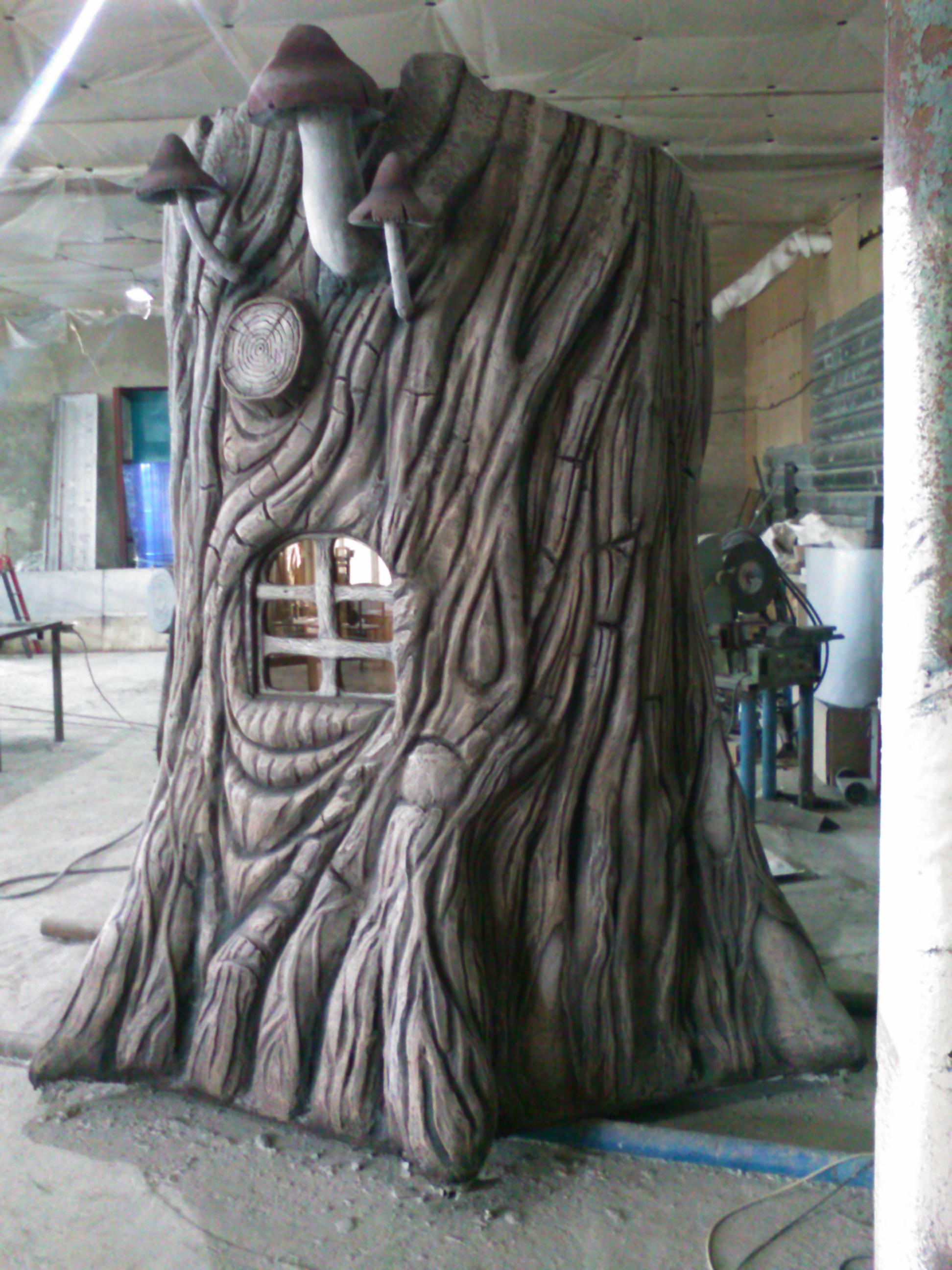 Туалет в виде дерева
