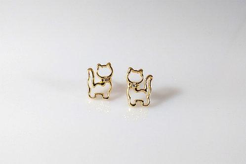 Brinco Gato Vazado Pequeno Folheado a Ouro