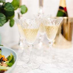 ladies_champagne.jpg