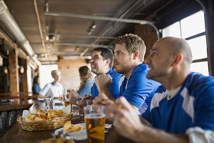 Män Titta på sport