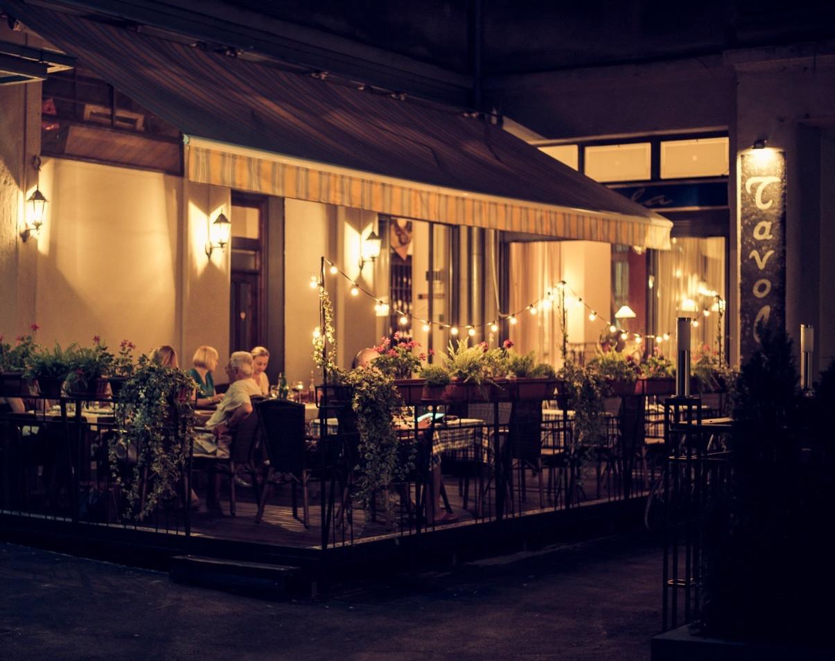 Tavola restaurant garden