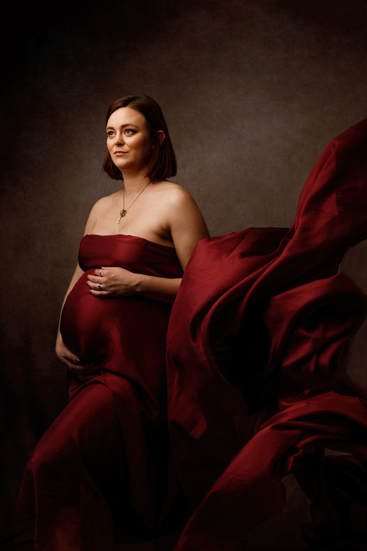 Cambridge Fine Art Maternity Photoshoot