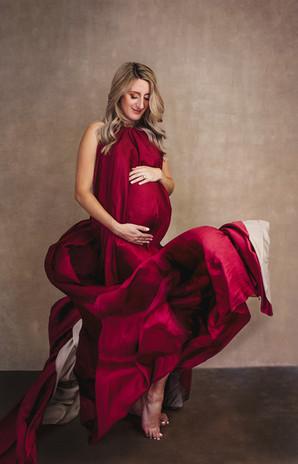 Artistic pregnancy photoshoot in Cambridge