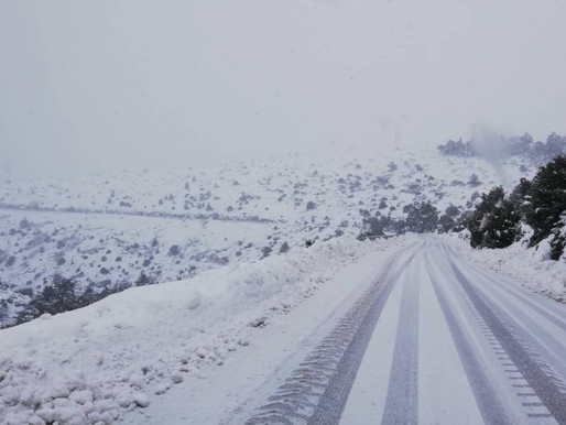 Καιρός – κακοκαιρία «Λέανδρος»: Κλειστός ο δρόμος προς την Πάρνηθα