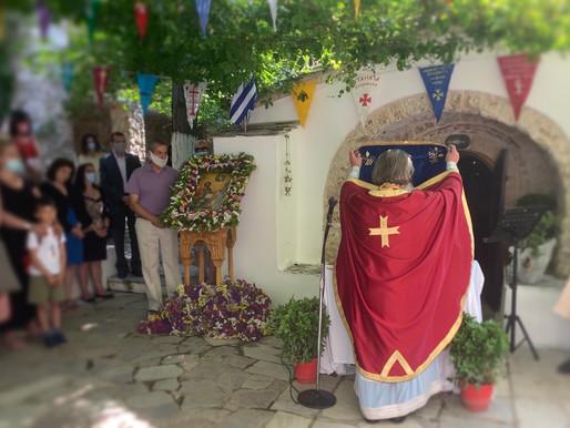 Με ευλάβεια ο εορτασμός της Αγ. Τριάδας στην κορυφή της Πάρνηθας