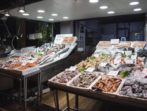 Οι Γεράσιμος & Κωνσταντίνος Μανταλβάνος πρωτοπορούν κάνοντας delivery θαλασσινών!