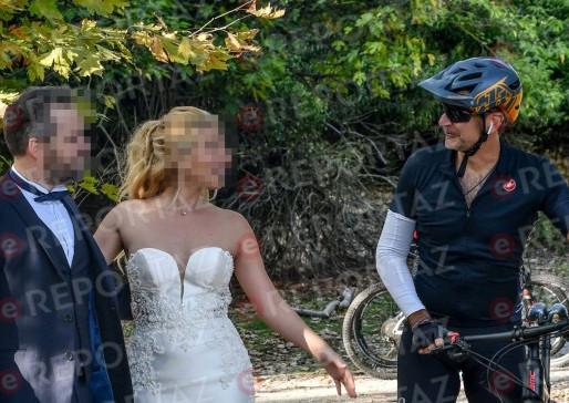 Μητσοτάκης: Εκανε ποδήλατο στο Τατόι και πόζαρε με νεόνυμφους στη γαμήλια φωτογράφισή τους!