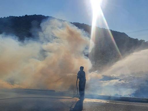 Ακαριαία αντίδραση του Δήμου Φυλής στη φωτιά που ξέσπασε στη Φυλή