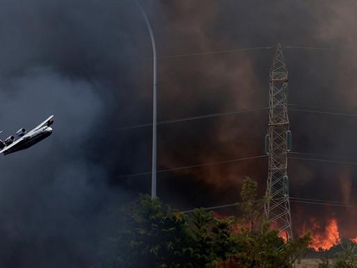 Εκκένωση σε Βαρυμπόμπη & Θρακομακεδονες - Πούλμαν στην πλατεία για τον κόσμο!