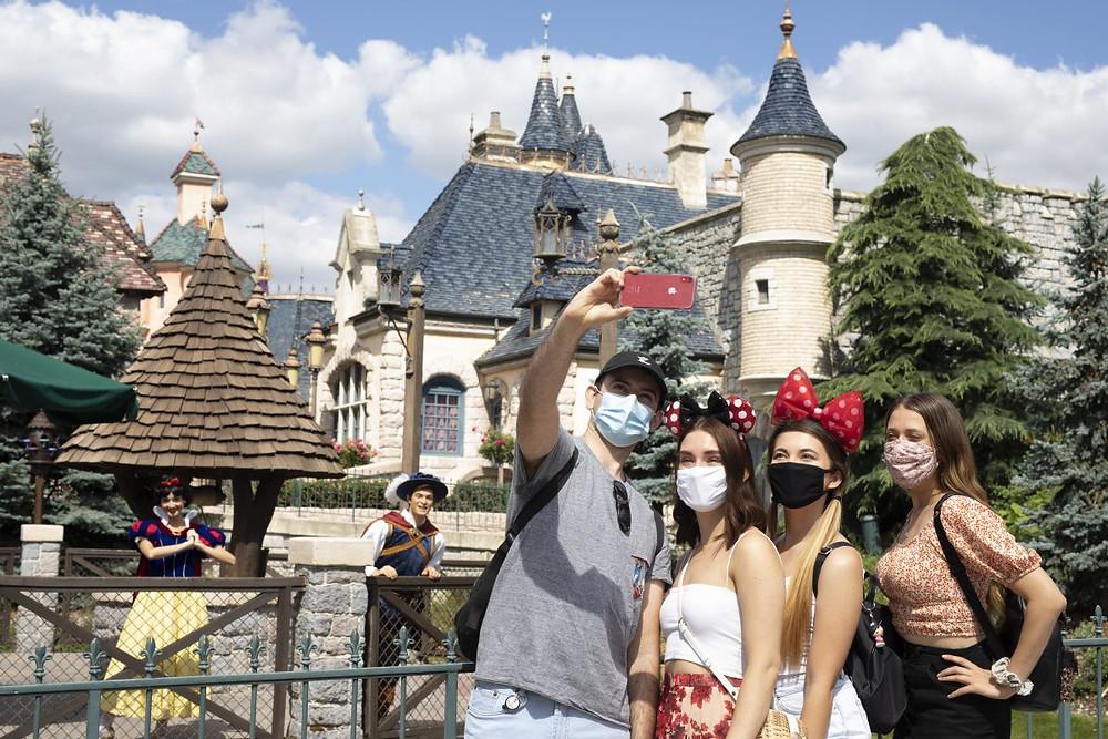 Selfie Spots: fotos con personajes Disney en Disneyland Paris