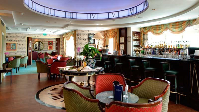 Café Fantasía en Hotel Disneyland