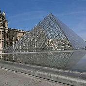 vlm-01-louvre-pyramide.jpg