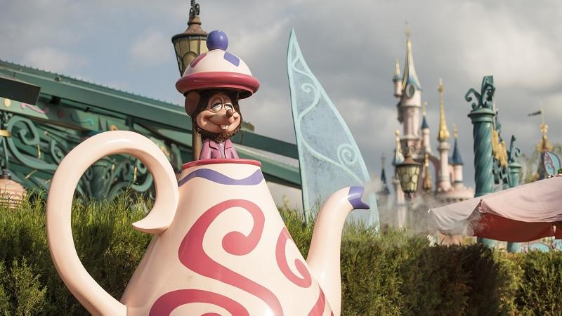 Mad Hatter's Tea Cups Disneyland Paris